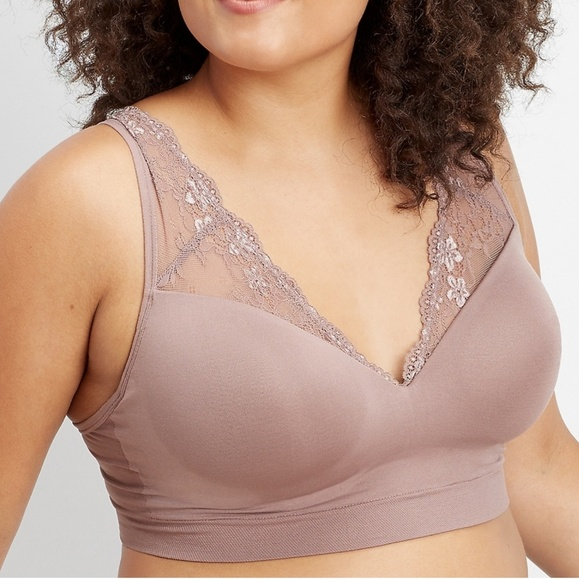 4edffa7ab09 Maurices Plus V Neck Lace Wireless Bralette Size 1